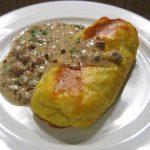 Bulviniai pyragėliai su raugintų kopūstų ir grybų įdaru