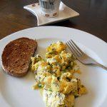 Kiaušinienė su rūgštynėmis