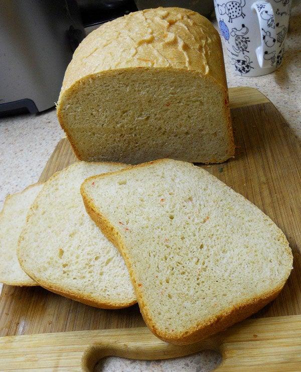 Duona su Čederio sūriu ir čili pipirais