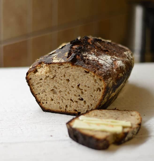 Duona su kefyru