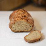 Duona su žemės riešutų sviestu