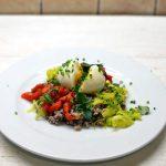 Grikių salotos su porais, kiaušiniu ir paprika
